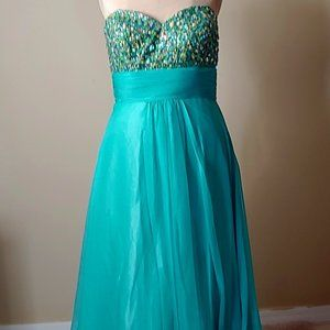 NWT Faviana Embellished Light Green Evening Gown